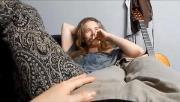 Tia batendo punheta para o sobrinho porno